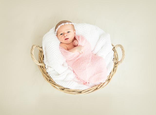赤ちゃんの女の子