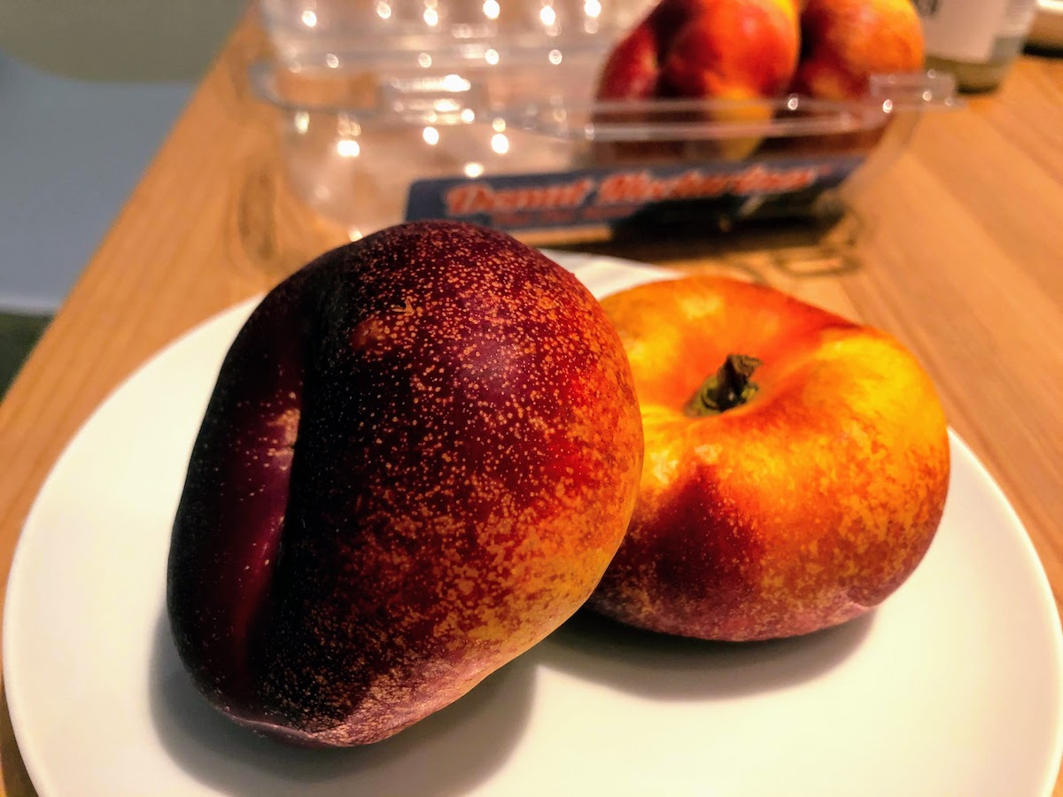 アメリカの果物ドーナツピーチ