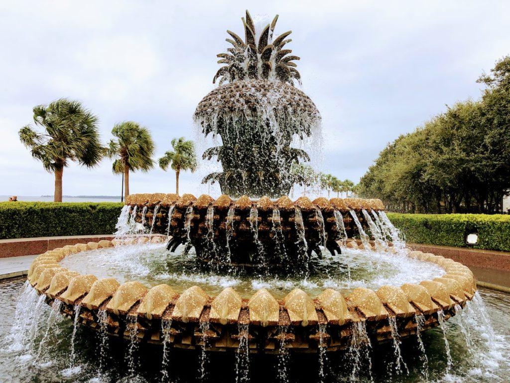 アメリカ南部のパイナップル型の噴水